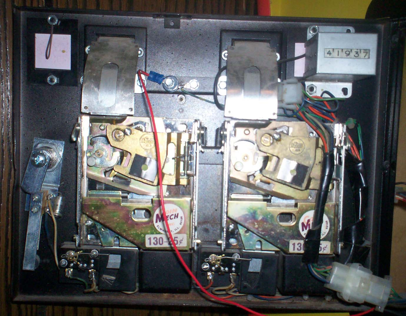 100_0899 i need help with pac man coin door wiring!! klov vaps coin op pacman wiring diagram at webbmarketing.co