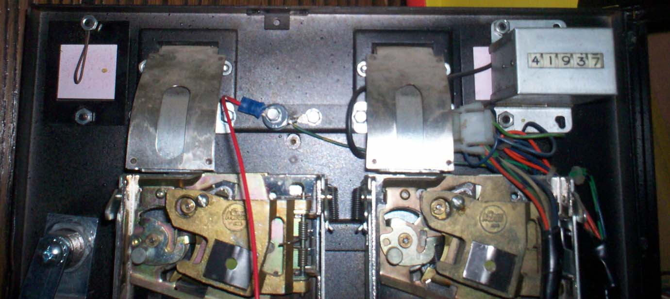 100_0901 i need help with pac man coin door wiring!! klov vaps coin op pacman wiring diagram at webbmarketing.co